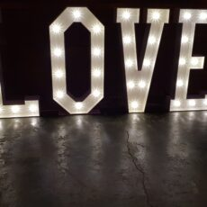 Wedding Giant Love Letters